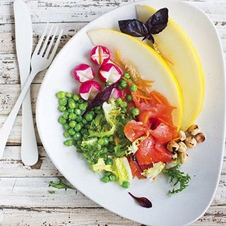 зеленый горошек в салате